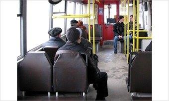 ВЧереповце вавтобусах травмировались две пассажирки