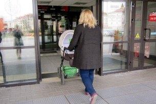 Женщина спомощью детской коляски попыталась ограбить супермаркет