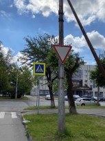 ВЧереповце начали заменять старые дорожные знаки