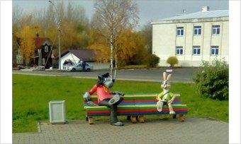 ВКириллове теперь есть памятник Зайцу иВолку из«Ну, погоди!»