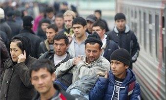 Более70% россиян хотят уменьшить приток трудовых мигрантов встрану