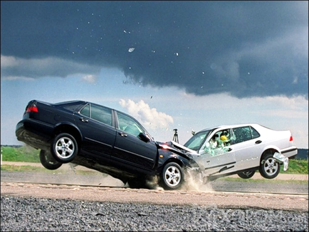 Искусство разбивать автомобили